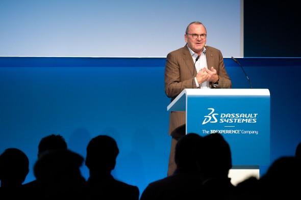 Odborné fórum zahájil Adreas Barth, výkonný ředitel společnosti Dassault Systèmes
