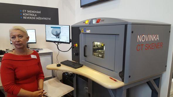 DeskTom pro digitální radioskopii a 3D CT skenování představila Věra Fišerová ze společnosti SolidVision na Mezinárodním strojírenském veletrhu 2016 vBrně