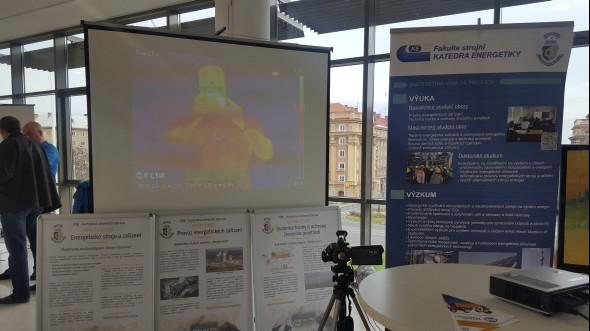 Katedra energetiky zFakulty strojní ukázala živě termokameru