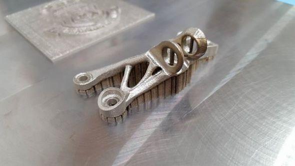 Při výrobě prototypů aditivní technologií se využívá bionických konstrukcí a topologické optimalizace