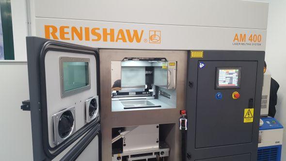 V stavební komoře lze tisknout součásti do velikosti 250 × 250 × 300 mm