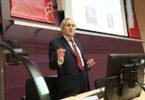 Profesor Cohen-Tannoudji získal v roce 1997 Nobelovu cenu společně s kolegy Williamem Phillipsem a Stevenem Chu za vývoj metod chlazení a chytání atomů laserovým světlem. Foto: Honeywell