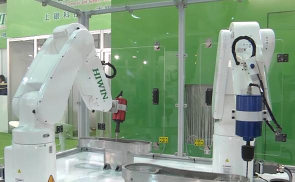 Šestiosý robot Hiwin RA605-710 lze využít pro obrábění a dokončování povrchů leštěním. Foto: Hiwin