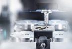 Polygonální upínače nástrojů Schunk naleznou uplatnění v hodinářském a šperkařském průmyslu, stejně jako při výrobě forem nebo automobilovém a leteckém průmyslu. Fot: Schunk