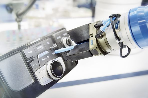 Silový a momentový senzor Schunk FT přesně reguluje sílu