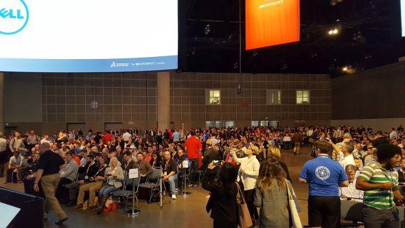 Konference začínala vpondělí ráno krátce po osmě hodině. Na setkání dorazilo tradičně přes 5 tisíc hostů. Foto: Marek Pagáč