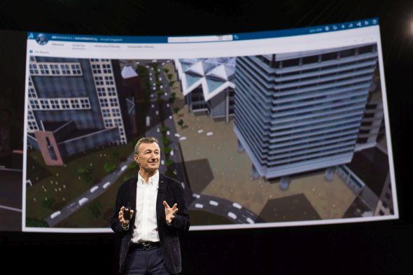 O projektu virtuálního Singapuru se zmínil ředitel společnosti Dassault Systèmes Bernard Charles. Foto: Dassault Systèmes