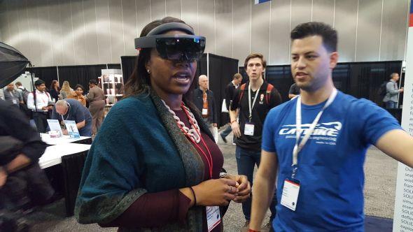 Technologii virtuální i rozšířené reality využívali téměř všechny vystavující firmy vpartnerské pavilonu. Foto: Marek Pagáč