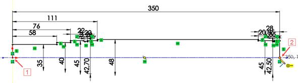 Na závěr zvolte příkaz Přímka (ze záložky Skica → Přímka nebo levým gestem myši) a uzavřete obrys skici. Počáteční bod přímky umístěte do počátku (1) a koncový do koncového bodu pravé svislé přímky hřídele (2)