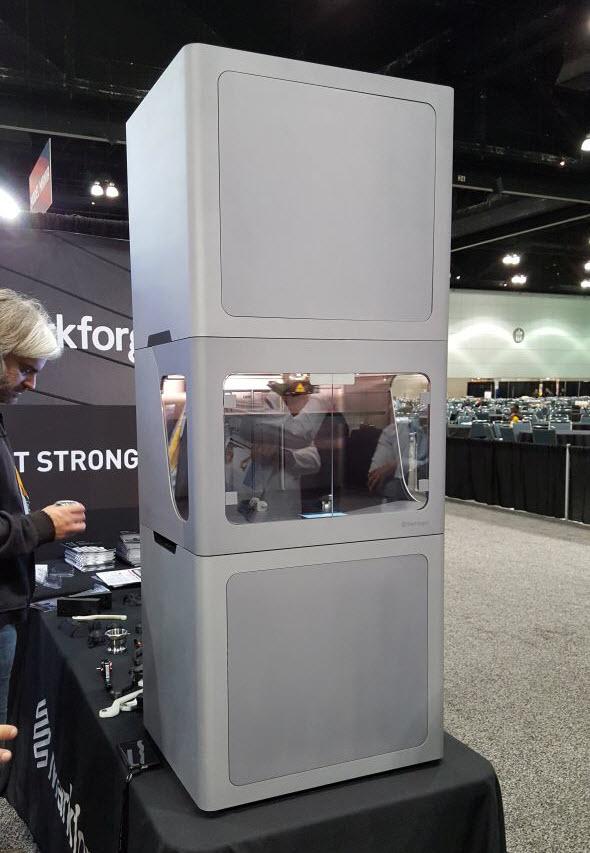 Společnost Markforget vystavuje 3D tiskárnu vpartnerském pavilonu, která je doprovodnou akcí celosvětového setkání uživatelů SolidWorks World 2017 vLos Angeles. Foto: Marek Pagáč