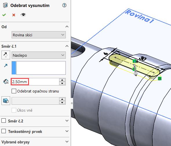 Vzáložce Prvky vyberte příkaz Odebrání vysunutím. Hloubku odebrání zadejte 2,5 mm, zkontrolujte náhled a dokončete příkaz potvrzovacím tlačítkem.