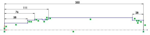 Od základny (levá svislá přímka vycházející zpočátku) začněte kótovat délkové rozměry: 58 mm, 76 mm, 111 mm a celkovou délku hřídele 350 mm. Zdruhé strany (pravá svislá přímka) zakótujte délku válcového konce hřídele 28 mm