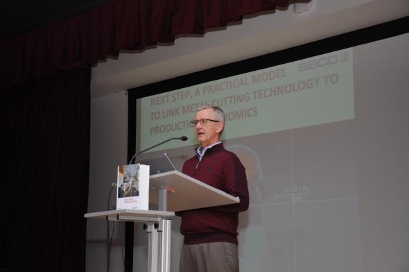 Přednášející Patrick de Vos, manažer technického vzdělávání STEP. Foto: Roman Šimík