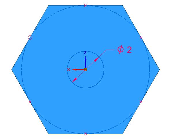 Tuhu na zadní ploše vytvořte nakreslím kružnice o velikosti 2 mm. Podle této kružnice rozdělte zadní plochu na dvě plochy příkazem Rozdělit