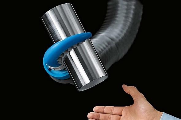 Robotické chapadlo spolupracuje ruku v ruce s člověkem. Foto: Festo