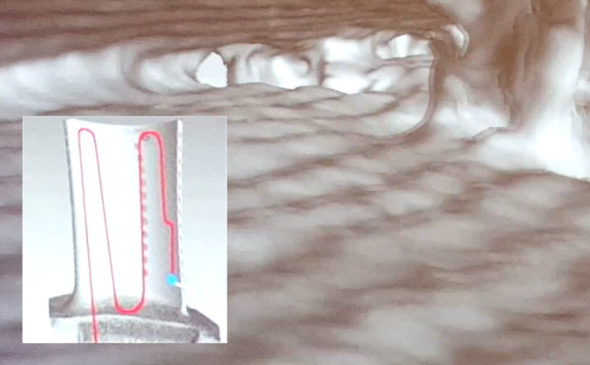 Nezbytným procesem po dokončení stavby, obrábění a povrchových úprav je kontrola stavby. Moderní nástroje umožňují zkontrolovat úzká místa a štěrbiny, jako jsou například kanálky vlopatce vrozlišení v nanometrech. Foto: Marek Pagáč