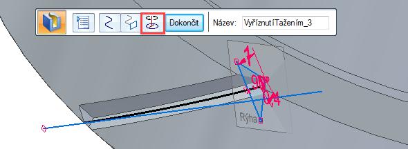 Označte křivku a potvrďte pravým tlačítkem. Pokračujte výběrem trojúhelníku a znovu potvrďte. Tím se vyřeže rýha. Rýhu musíme ještě správně orotovat, proto zvolte vplovoucím okně funkci Vyříznutí tažením – osa a zvolte válcovou plochu. Tlačítkem Dokončit operaci potvrdíte