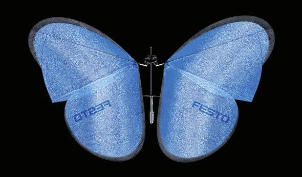 Křídla motýlů o délce 50 centimetrů spojují motory. Foto: Festo