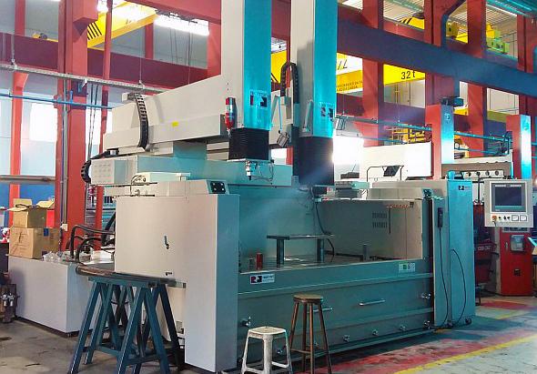 Řídicí systém Penta CNC řídí elektroerozivní stroje se dvěma hlavami