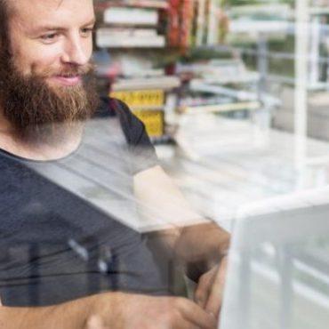V době krize umožňují dodavatelé CAD softwaru provozovat firemní aplikace i na domácích počítačích